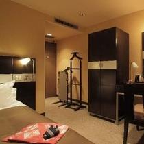 セミダブル(16㎡)ベッド幅120cm×1台 モノトーンで落ち着いた雰囲気です。