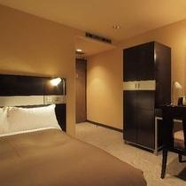 セミダブル(16㎡)ベッド幅120cm×1台 全室Wi-fi、LANケーブル無料です