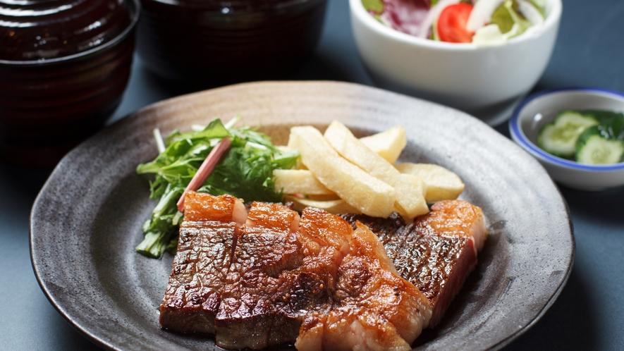 ◆6種から選べる夕食「ステーキ定食」(イメージ)