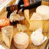 【夕食】十勝産ナチュラルチーズ盛り合わせ