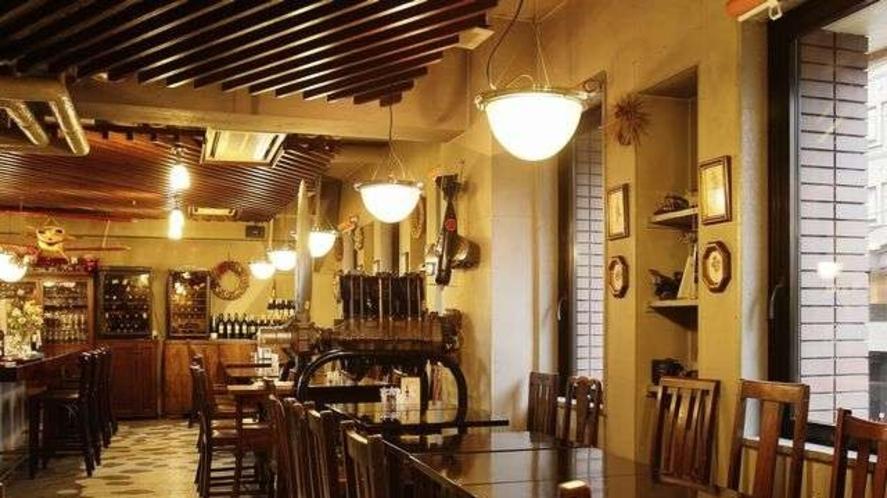 ◆レストラン「バイプレーン」/朝食は和定食、洋定食、中華がゆ、コンチネンタルからお好きな物を選べます