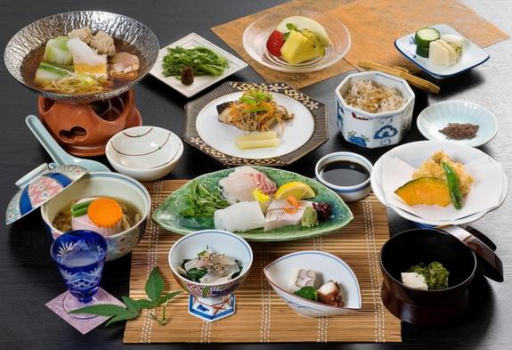 ★お部屋はツイン♪夕食は和食会席料理をご堪能