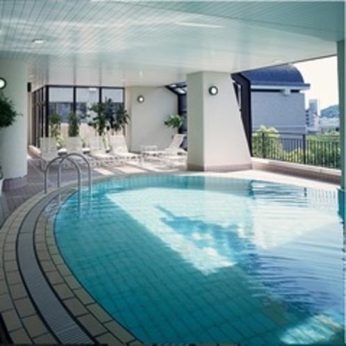 夏季限定室内プール