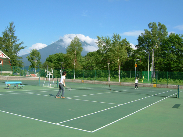 泉郷エリアにあるテニスコート5面