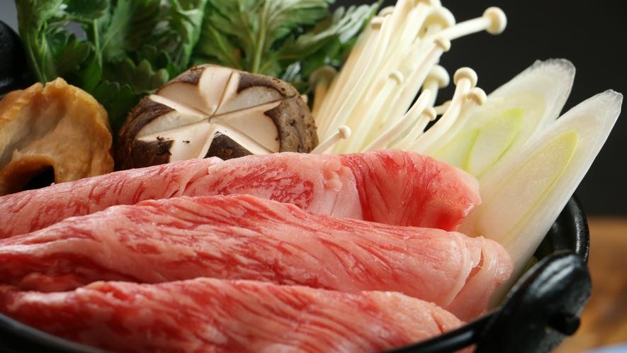 ■【彩華-saika-】期間限定のとっておきコース。選べるメインの山形牛のすき焼き鍋は絶品。
