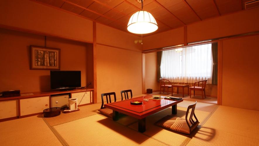 ■和室/ゆっくりとお寛ぎいただける広縁付きの和室。