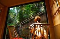 お食事処【TAJIMA】ライトアップされた竹林を眺めることができます。