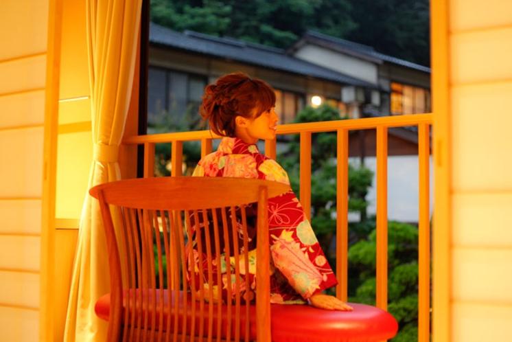 夕暮れ時も庭園が綺麗です。