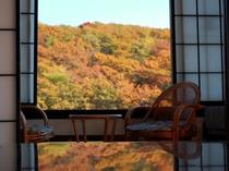 お部屋からは那須高原を一望。紅葉の秋は絶景。
