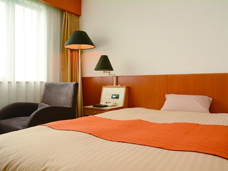 禁煙セミダブルルーム(18.5平米130センチ幅ベッド)
