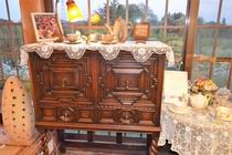 食堂の英国製アンティーク家具