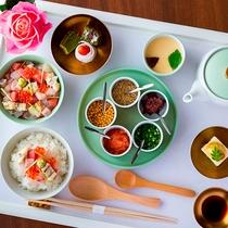 【寿司割烹 ともづな】ランチメニュー「海鮮ひつまぶし」