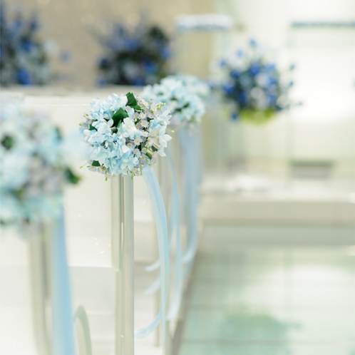 ドレス姿の花嫁をより美しく引き立たせてくれる。洗礼されたチャペル