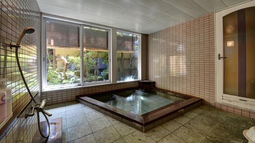 *【男湯】天然温泉【ピント湯】です。含硫黄ナトリウム塩化物泉でお肌にいいと人気です。