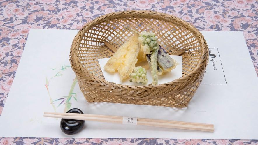 *【夕食一例】料理長が腕をふるって美味しく仕上げていきます。