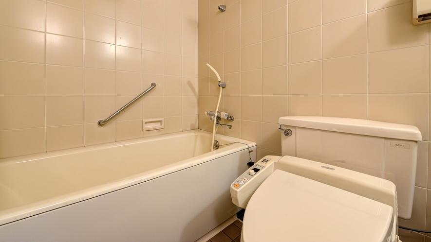 *【和室12畳BT付】バス・トイレは一体型です。