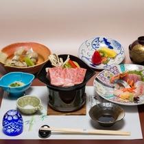旬の丹後の食材を料理長が腕をふるう丹後の地魚と牛陶板ステーキ!