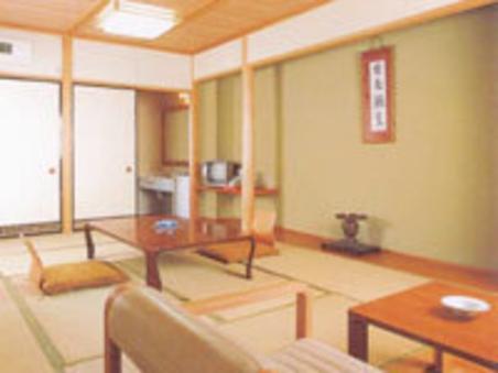 和室10畳+広縁(洗面所・ウォシュレットトイレ付)