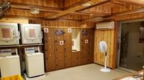 ◆【男性】脱衣所(ロッカー17個設置)【営業時間】15:00~翌10:00