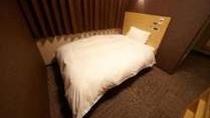 ◆コンパクトシングル【景観なし】 14㎡ サータ社製ベッド (1200×1950)禁煙TV32インチ