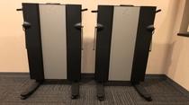◆【サービス】【貸し出し】ズボンプレッサーは各フロアエレベーター前にございます。