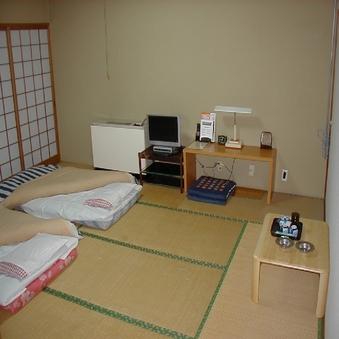 ゆったり和室10畳共用バス・トイレ 駐車料無料
