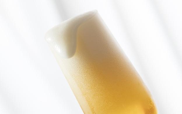 ビールサーバーでおいしいビールを飲みながら、55インチのテレビでスポーツ観戦 <室料のみ>