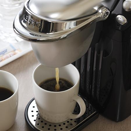 コーヒーメーカーを全室に設置(お一人様につき一杯無料サービス)
