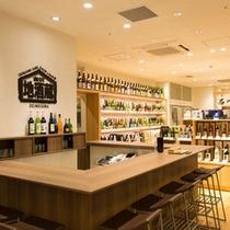 「あんと」の一角には、石川の地酒を試飲できるコーナーがあります。