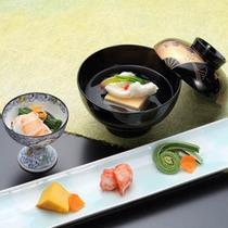 ご予算に応じてお食事をご用意できます。(日本料理「杜若」)