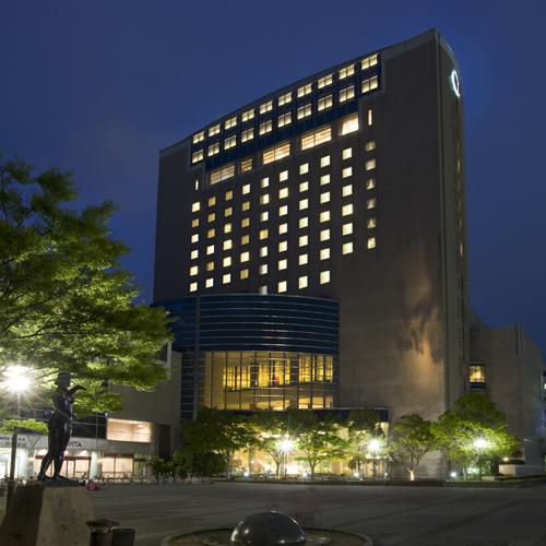 ホテル外観〜夜景〜