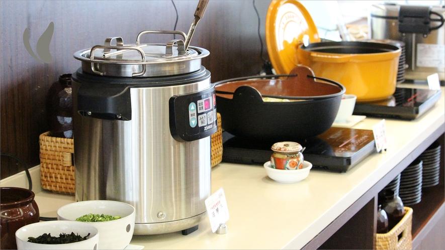 汁物コーナー(味噌汁・だんご汁・カレー)