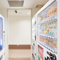 自動販売機コーナー:ANNEXの1階にございます。