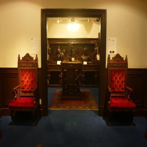 異人館パワースポット・サターンの椅子