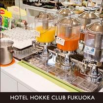 【ドリンクコーナー】紅茶各種・ミルク・オレンジジュース・野菜ジュース・ミネラルウォーター