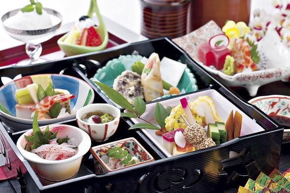 【1泊2食付き】季節の和食松花堂弁当プラン『季節の食材をお楽しみ下さい!』