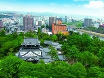 新緑の岡崎城