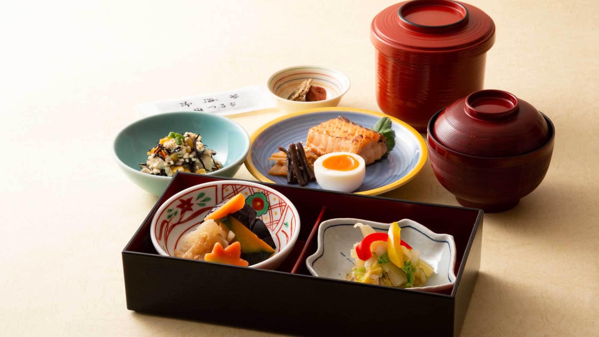 東館2階 日本料理「つる家」和朝食膳