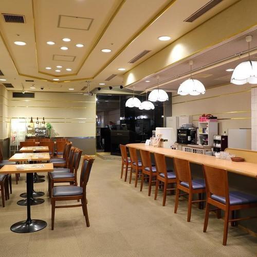 喫茶軽食オーロラ(別館7F 営業時間17:00〜23:30)