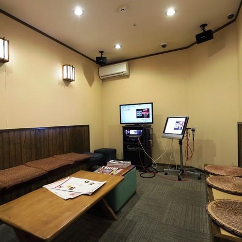 カラオケルームは2室ございます (別館7F 営業時間17:00〜23:30)
