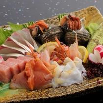 新鮮な魚介類を盛合せで(別註料理)