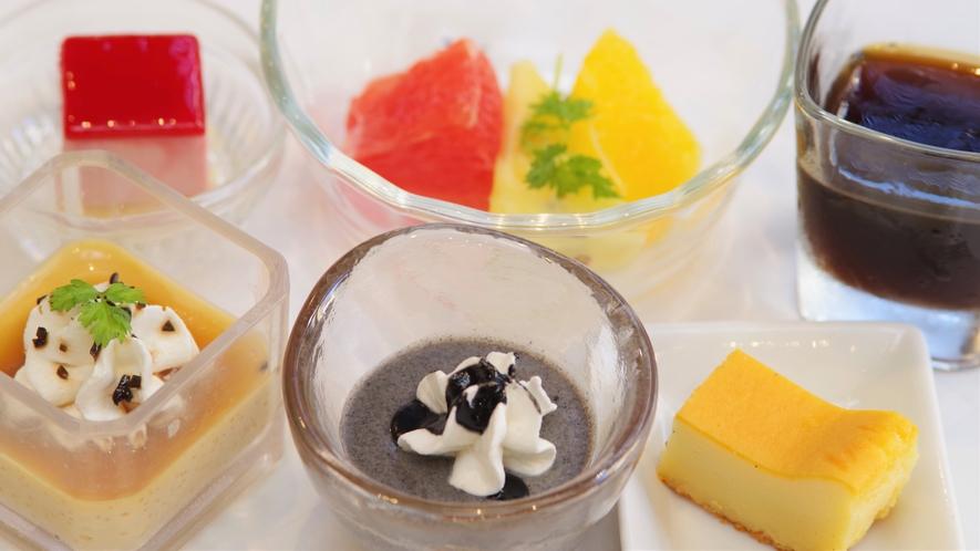 ●朝食バイキング会場● デザートも種類が豊富にございます♪