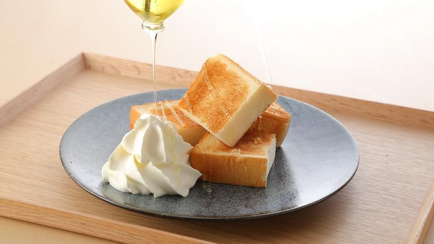 高匠の食パン・はちみつ・ソフトクリーム