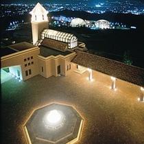 夜景 チャペル・噴水