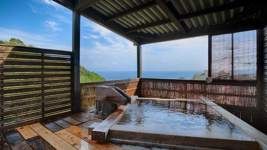 露天風呂付き客室-檜の湯舟コーナールーム(露天風呂)