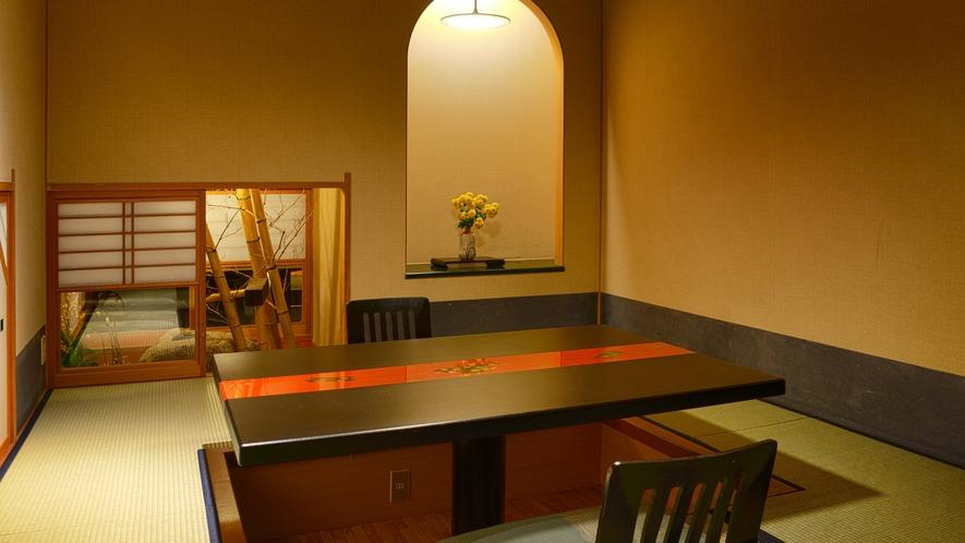 個室の料亭でゆっくり伊豆の海の幸をご堪能ください。