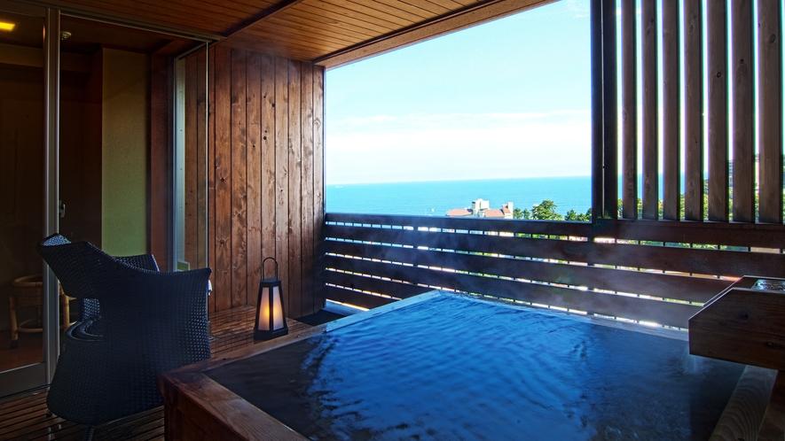 露天風呂付き客室-檜の湯舟(露天風呂)