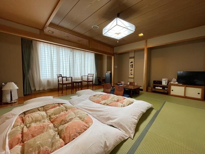 当館一室のみの和室のお部屋です。1名様から5名様までご利用可能。
