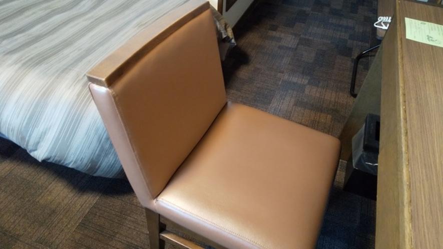 背もたれ椅子