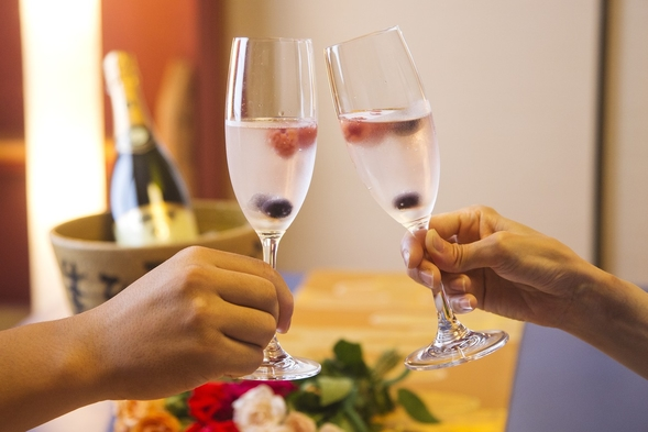 ◆記念日プラン◆大切な1日を<ケーキ&乾杯酒>オーシャンビューの絶景とともに祝福!≪夕・朝お部屋食≫